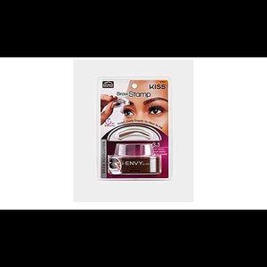 01069 Kiss i-envy brow stamp kit Dark brown Makeup
